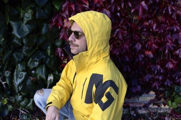 Analog_snoboard_jacket_paper_sunglasse_2015