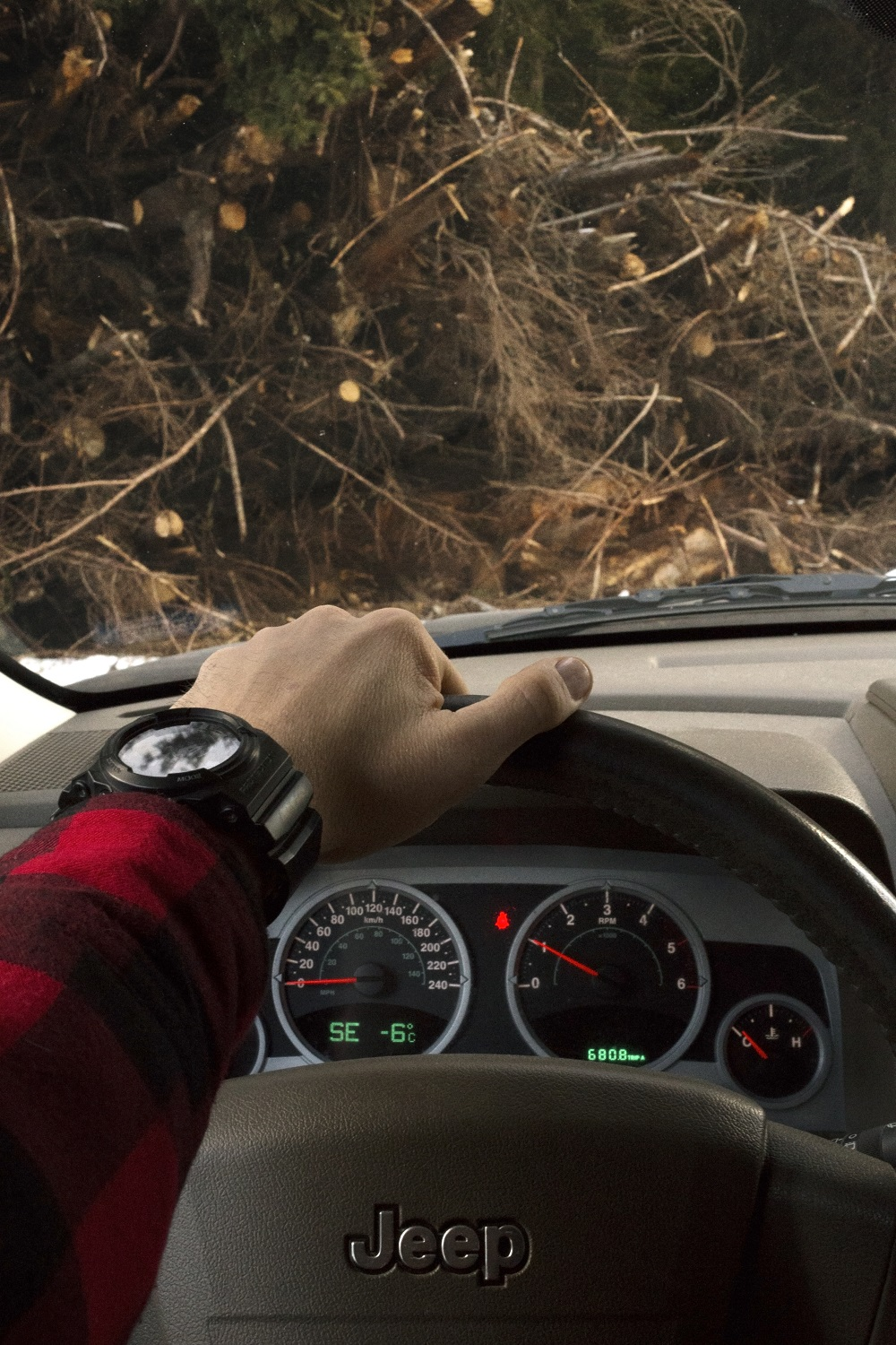 like-a-modern-American-woodman_jeep_casio
