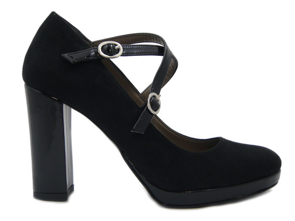 Scarpe di qualità artigianale: scopri Osvaldo Pericoli Calzature! #osvaldopericoli #calzaturemadeinitaly #osvaldopericolicalzature