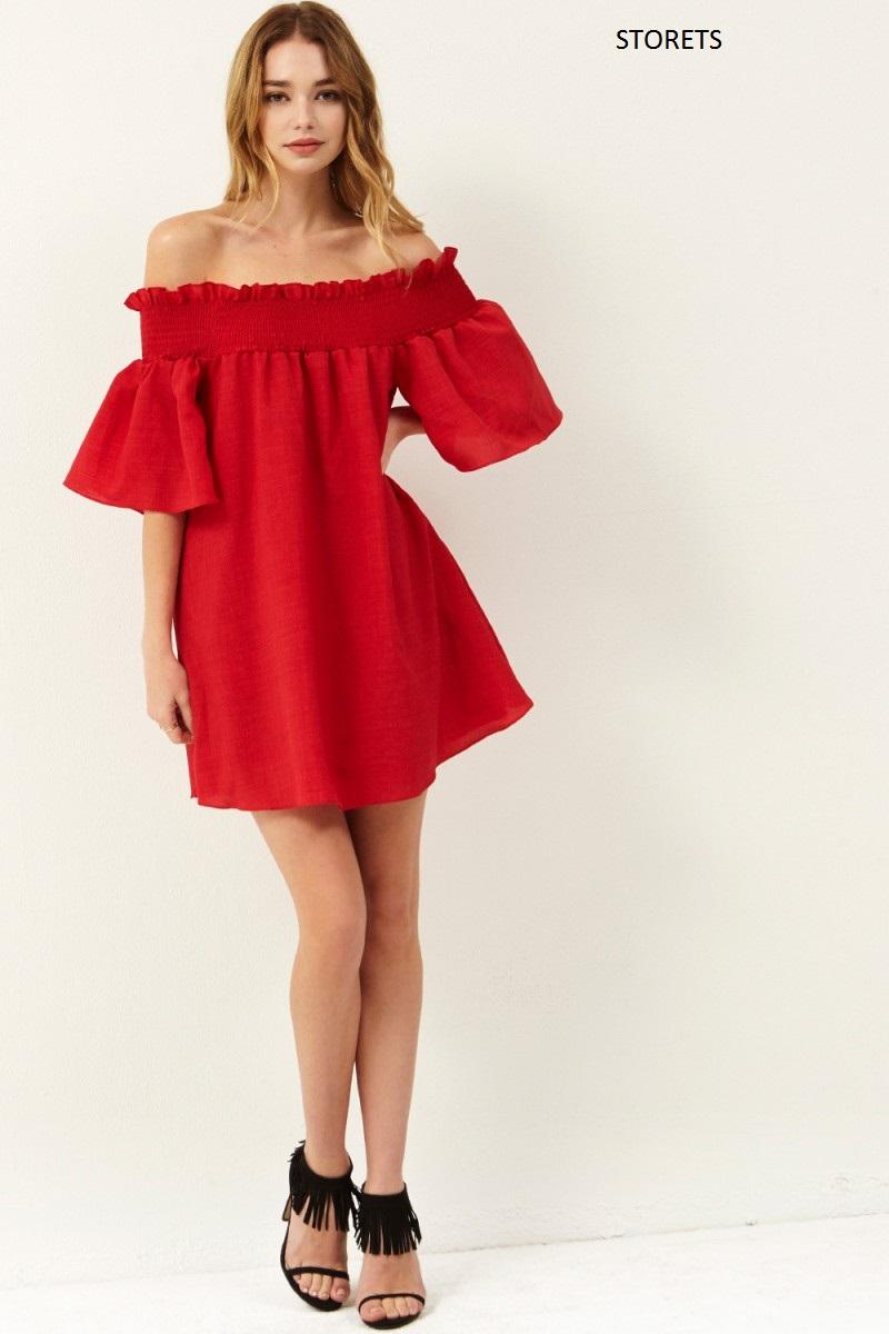 abito-rossoa-spalle-scoperte-storets