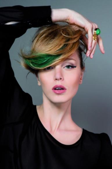 Tendenza-colore-capelli-un-arcobaleno-in-testa-per-l-autunno-2013_main_image_object