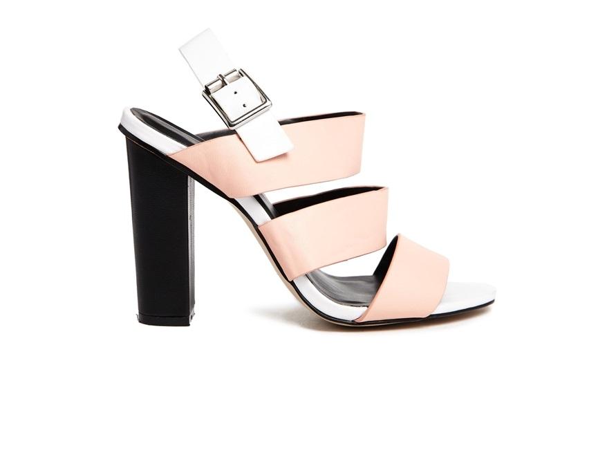 sandali bianchi e rosa