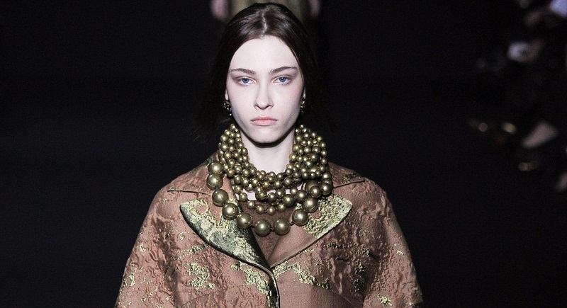 1. Necklace 2014 - Alberta Ferretti