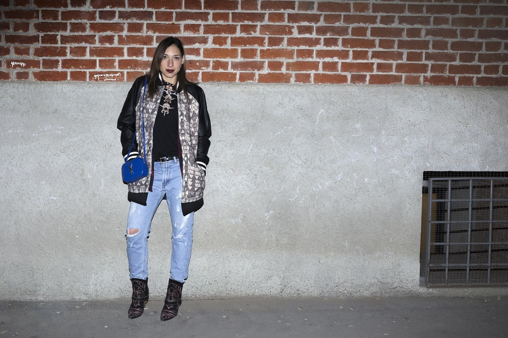 A man look for woman: County of Milan and Levi's jeans