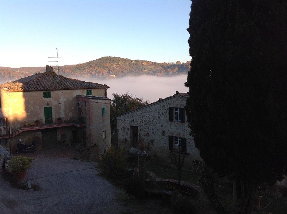 Riscopri la Toscana autentica e soggiorna all'antica Fattoria la Romita