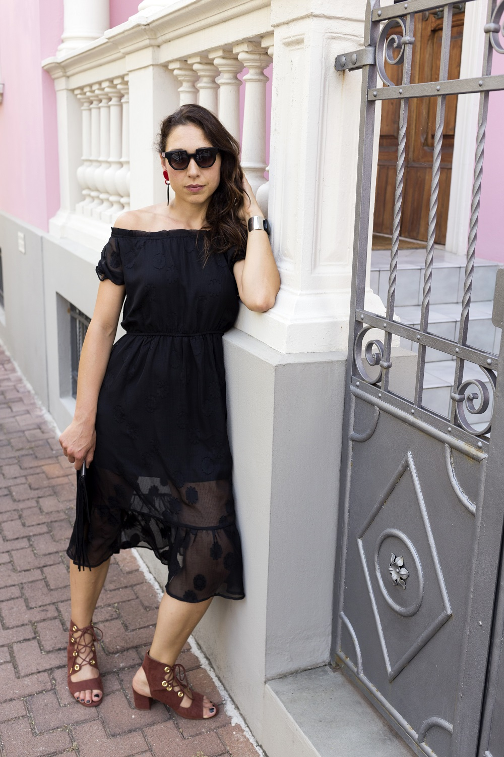 New look wearing a romantic Black dress by Sammydress