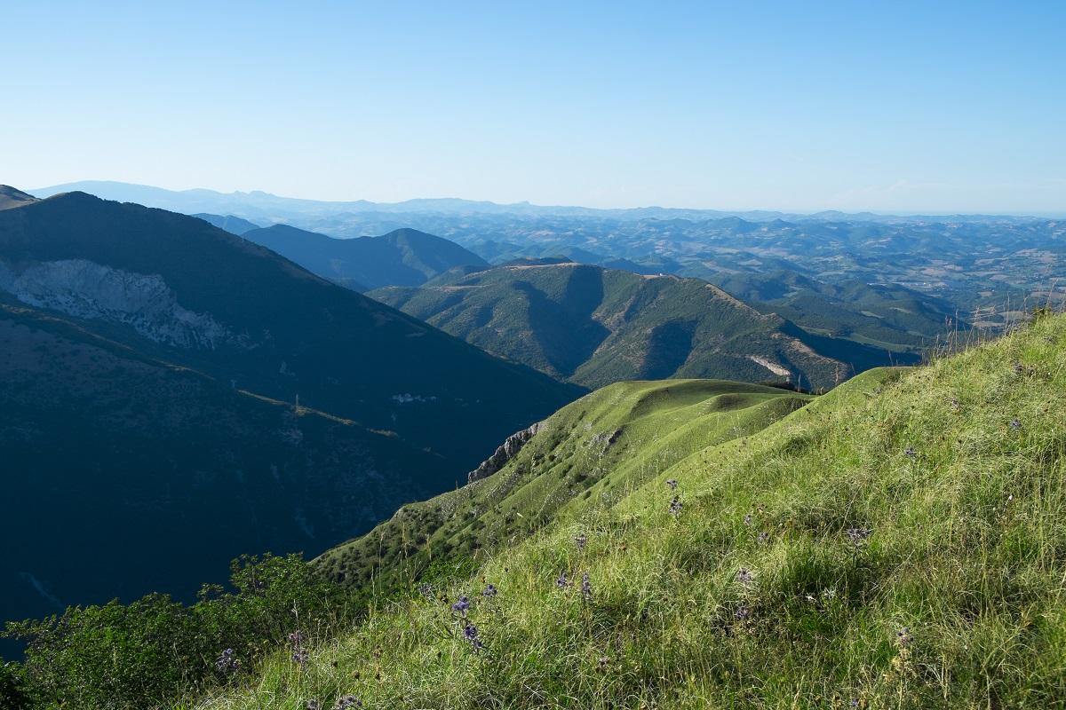 Una meta nel cuore delle marche per gli amanti della Natura e degli spazi aperti ed incontaminati: scoprite il Monte Petrano!
