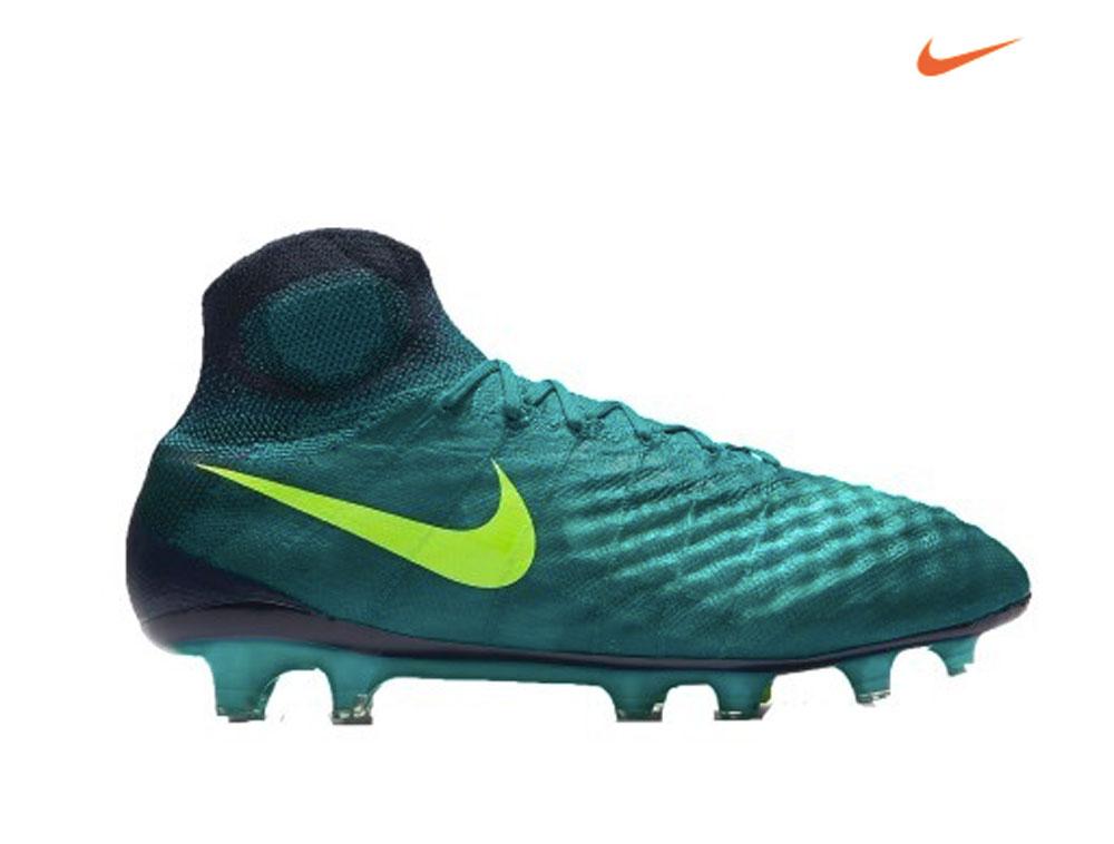 Ami il calcio e ti piace praticarlo? Scopri SportIT.com: l'e-commerce degli sportivi!