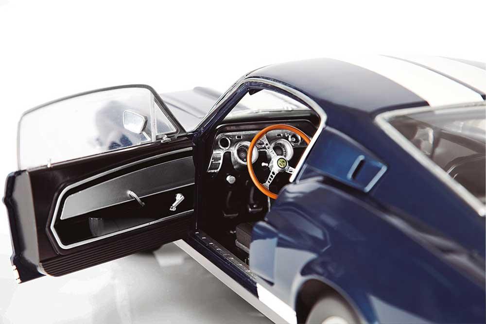 """De Agostini presenta la Collezione """"Costruisci la mitica Ford Mustang Shelby """", un'opera straordinaria per scoprire tutto il fascino dell'America delle auto da leggenda."""